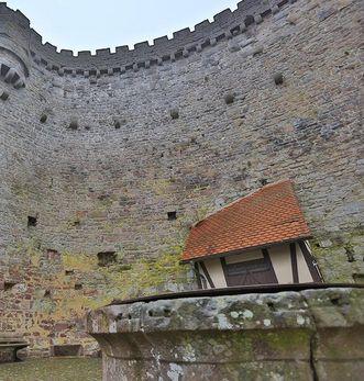 Innenseite der Schildmauer der Burgfest Dilsberg; Foto: Staatliche Schlösser und Gärten Baden-Württemberg, Markus Schwerer