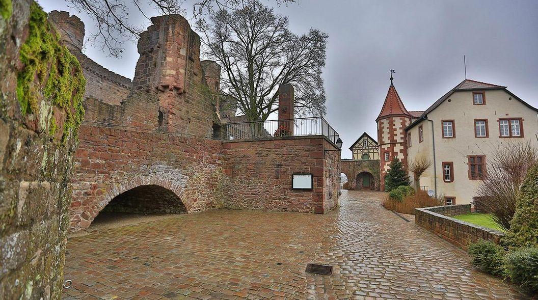 Kommandantenhaus der Burgfeste Dilsberg; Foto: Staatliche Schlösser und Gärten Baden-Württemberg, Markus Schwerer