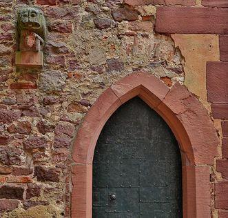 Eingang zum Treppenturm der Burgfeste Dilsberg
